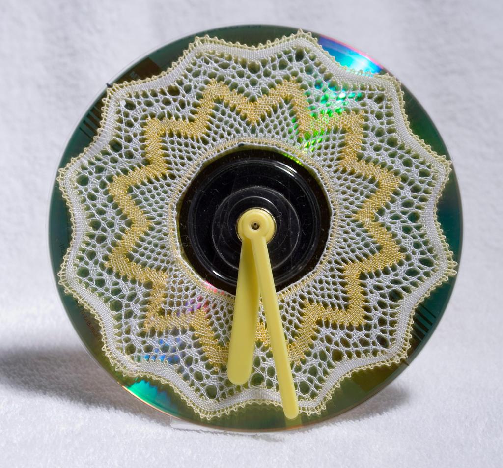 CD clock design 1 by averil-hylton