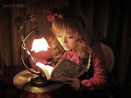 Bookworm by harlyharlekin