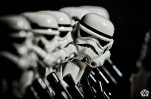 stormtrooper distracted by Z-UO