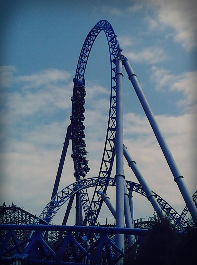 Vos plus belles photos en tout genre - Page 4 Blue_fear_by_cyanidemachine-d6cof00