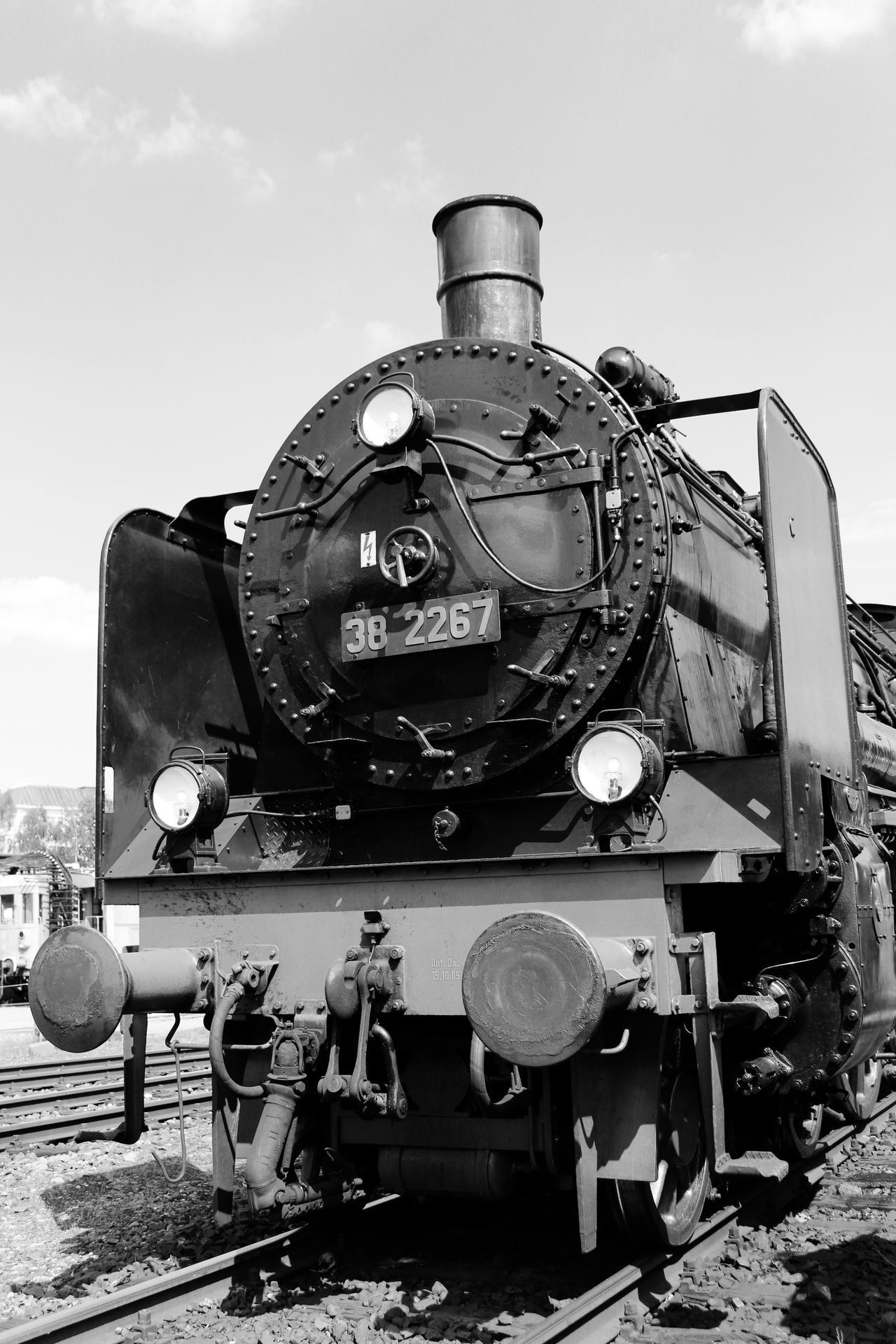 Class 38 Steam locomotive front by RandyFisher on DeviantArt