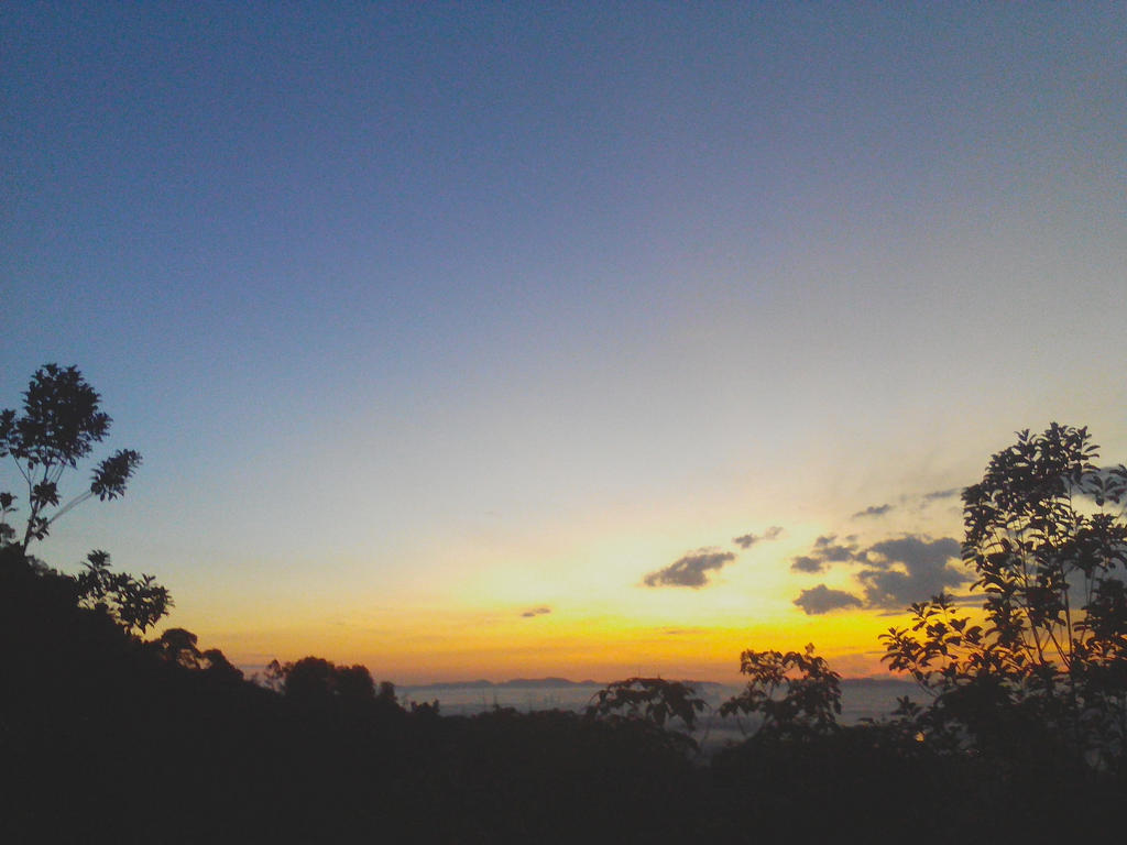 [Photo] Sunrise at Panorama Hill by BrainlessPoop