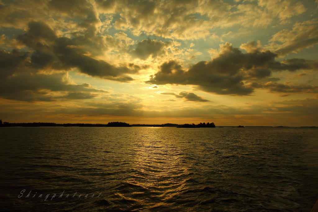 See golden by ShinyphotoArt