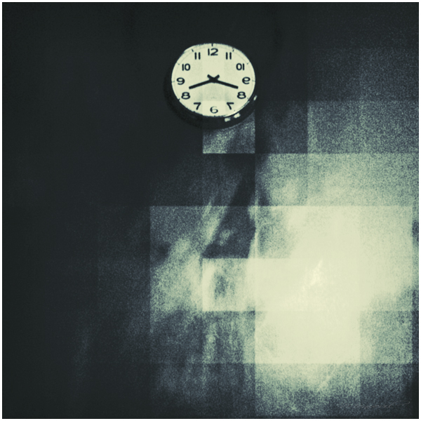Wall clock by Menoevil
