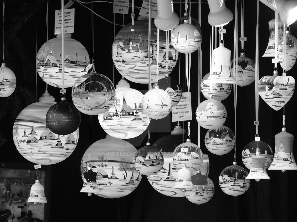 Christmas balls by Deeledit