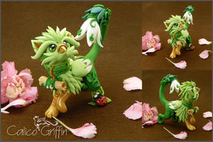 Kizuna the Messenger of Spring - polymer clay by CalicoGriffin