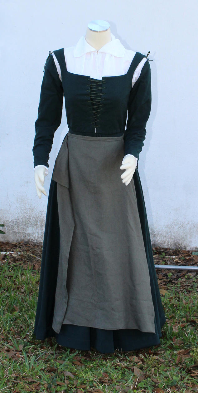 Elizabethan Green wool kirtle and linen apron by