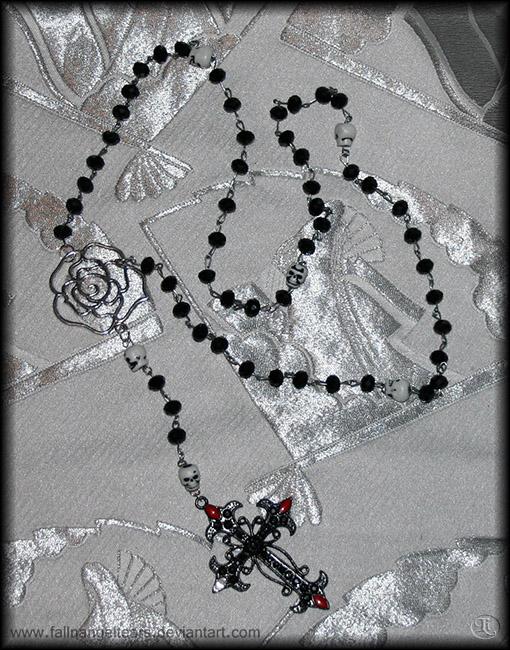 Bella Morte Rosary by fallnangeltears