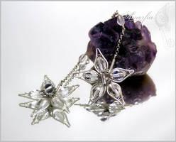 Winter frost earrings by amorfia