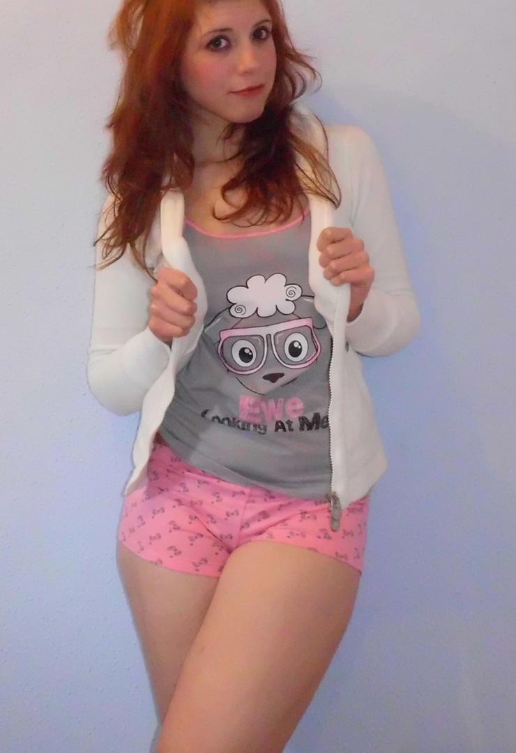 Pijama III by Tamas-Kakyou