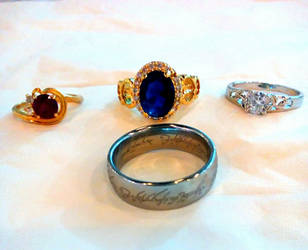 Rings of Middle Earth by SakuraNatsumi