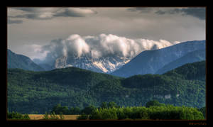 Foehn wave over the mountains