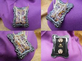 Amethyst and bone pin/brooch