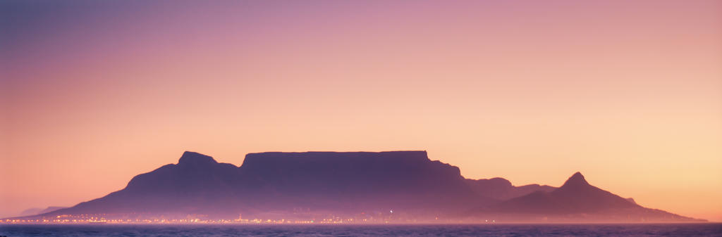 .:Table Mountain:. by DanCrystalis