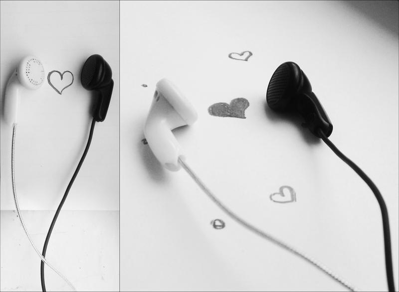 White and Black by MariaSorina