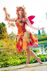 Autumn's fairy by LadyGiselle