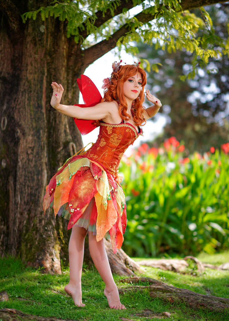 Autumn's fairy 4 by LadyGiselle