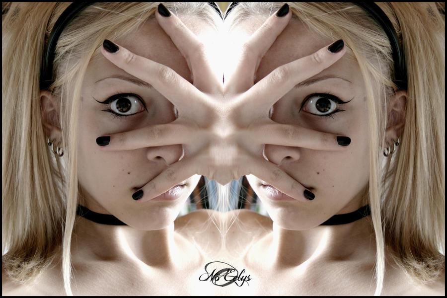 Arachnophobia - Selfportrait by NoEelys