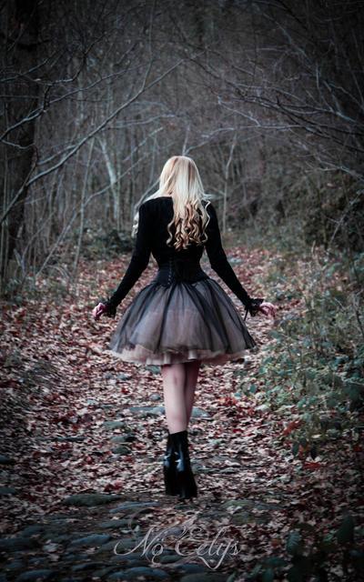 Wandering Doll by NoEelys