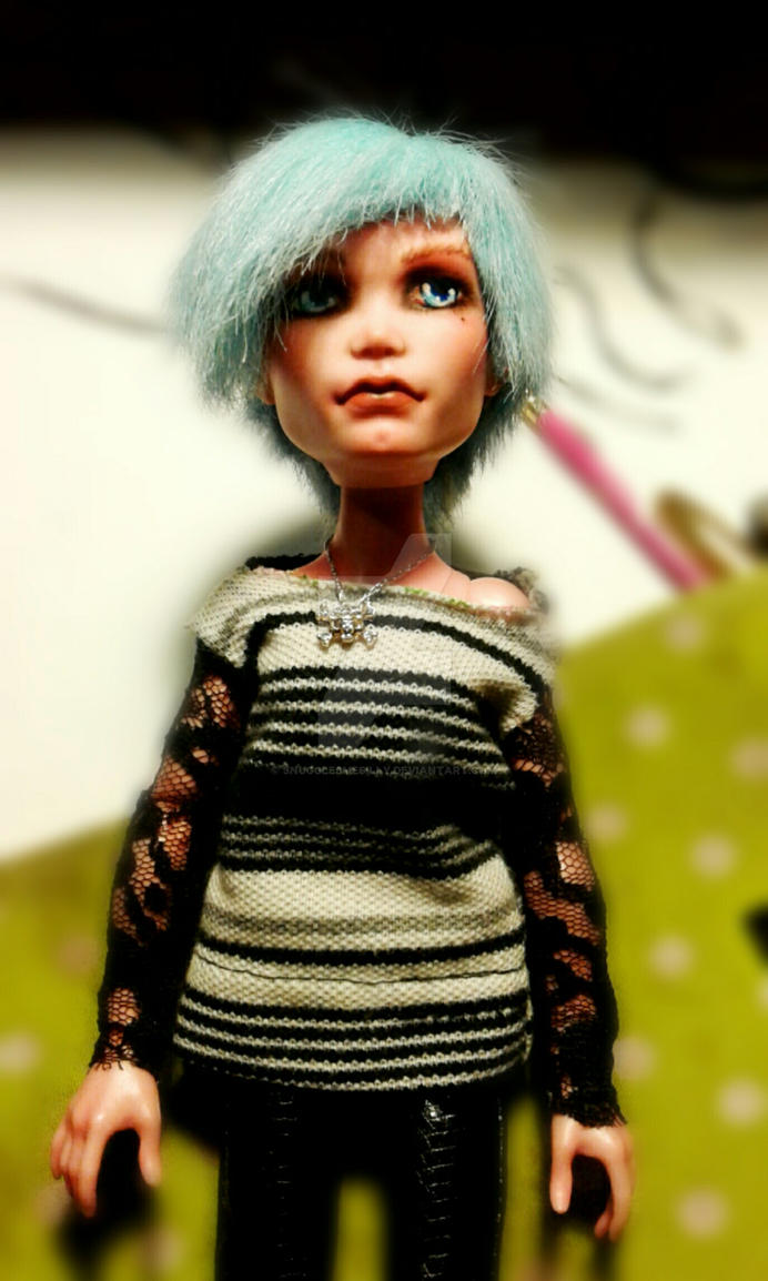 Monster high Deuce Gordon Repaint by snugglesmesilly