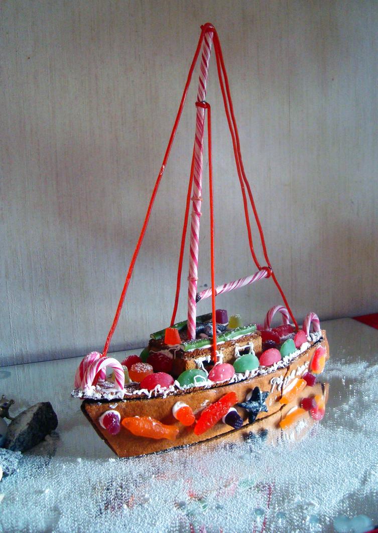 Gingerbread boat by Kapselfabrik