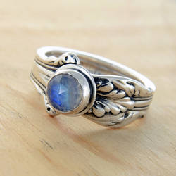 Spoon Ring with Moonstone