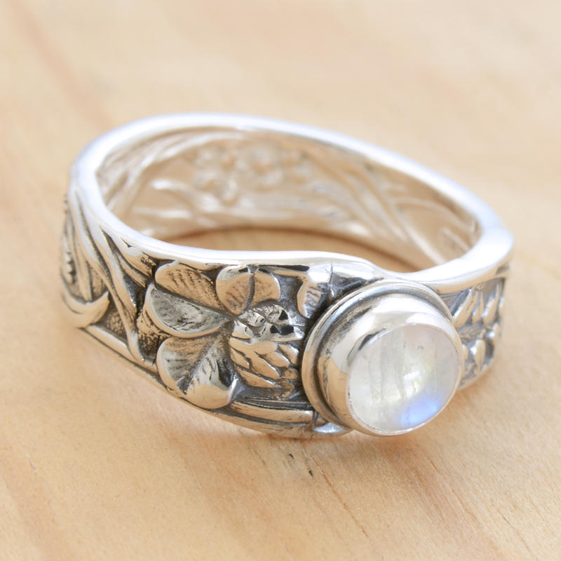 Spoon Ring w Moonstone by metalsmitten