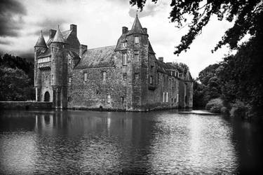 Chateau de Trecesson by TrollDuNord