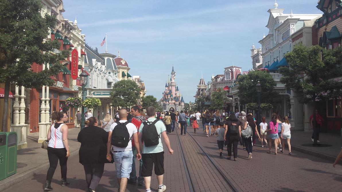 Mainstreet Disneyland Paris 2015 by NeoseekerStitch