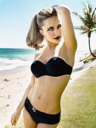 Hayden Panettiere, Beach Goth with Scar by imyourpusherman