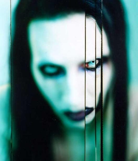 [Image: Marilyn_Manson_by_emesgi.jpg]