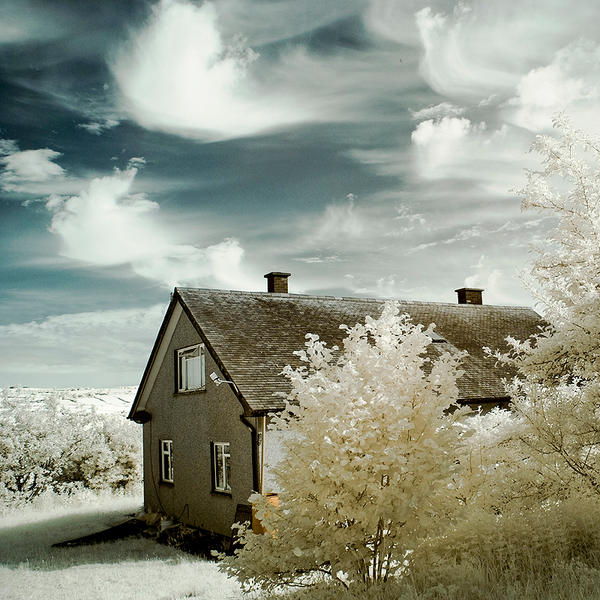 The Invisible House