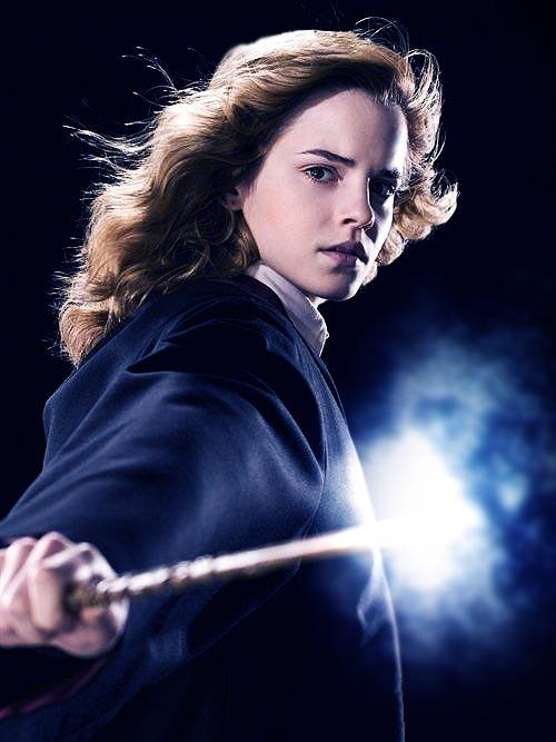 Hermione Granger - Lumos by akaforbidden