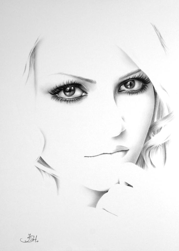 Self Portrait Commish II by IleanaHunter