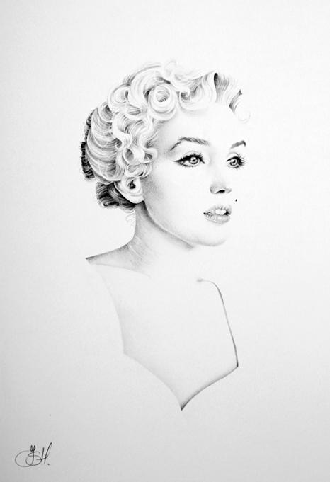 Marilyn Minimal Portrait by IleanaHunter