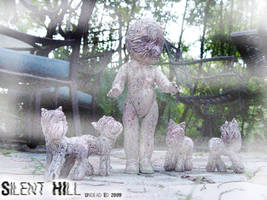 Rot Tot Silent HIll doll ponie