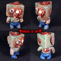Zombie Munny triangle head Fig by Undead-Art