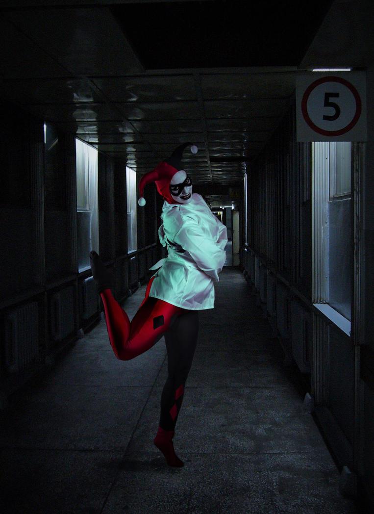 Psycho ballerina II by Strange-little-cat