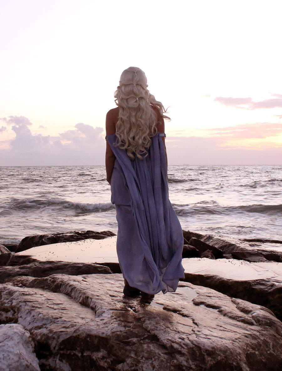 Daenerys 4 by Elisa-Erian