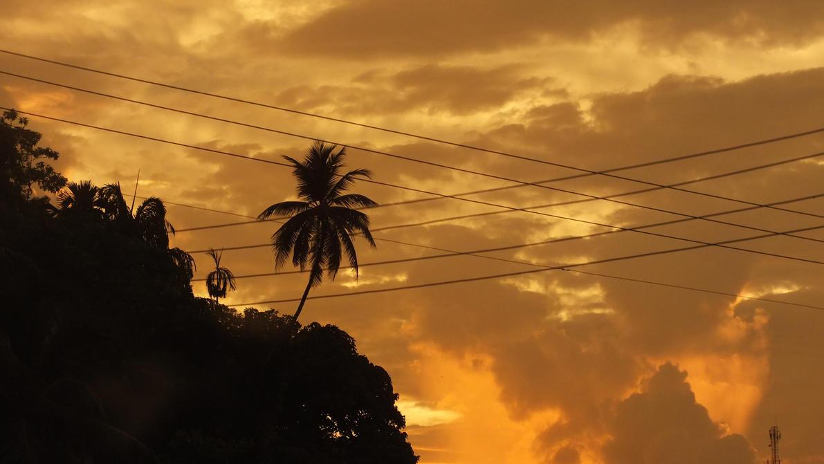 Lankan sunset by Ejmin