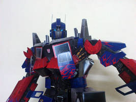 Optimus Prime Papercraft by suraj281191