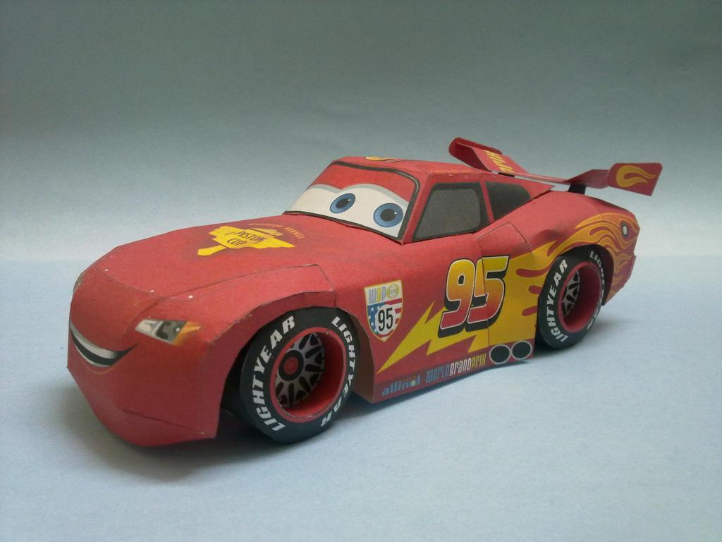 Disney Cars Lightning Mcqueen Papercraft By Suraj281191 On