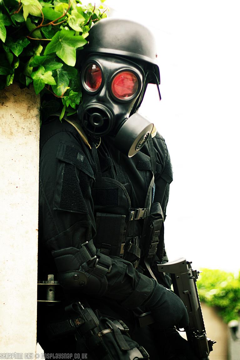 +Resident Evil Hunk+ by carrie-monster