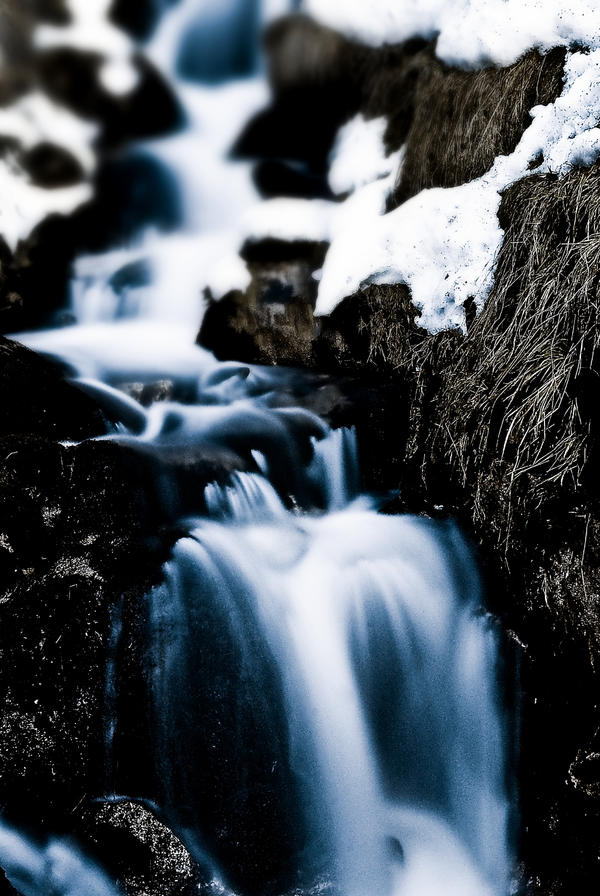 blurred.falling.waters. by koksnuss