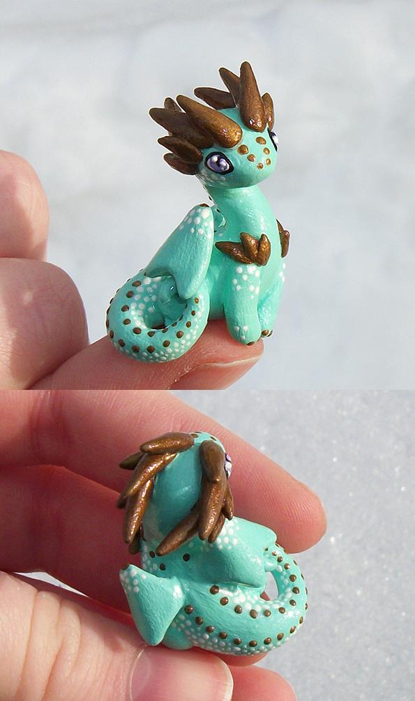 Minty 'Thumb' Dragon by KingMelissa