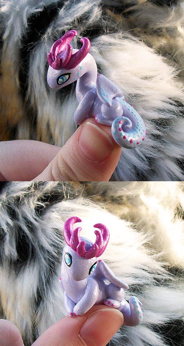 Heart Horn 'Thumb' Dragon by KingMelissa