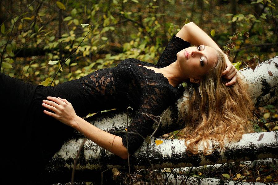 Izrazite svoja osecanja slikom Autumn_by_lisa_roy-d4d3kpd