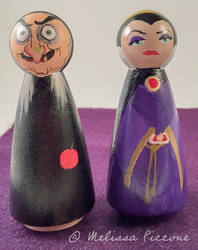 Snow White Evil Queen Old Had peg dolls