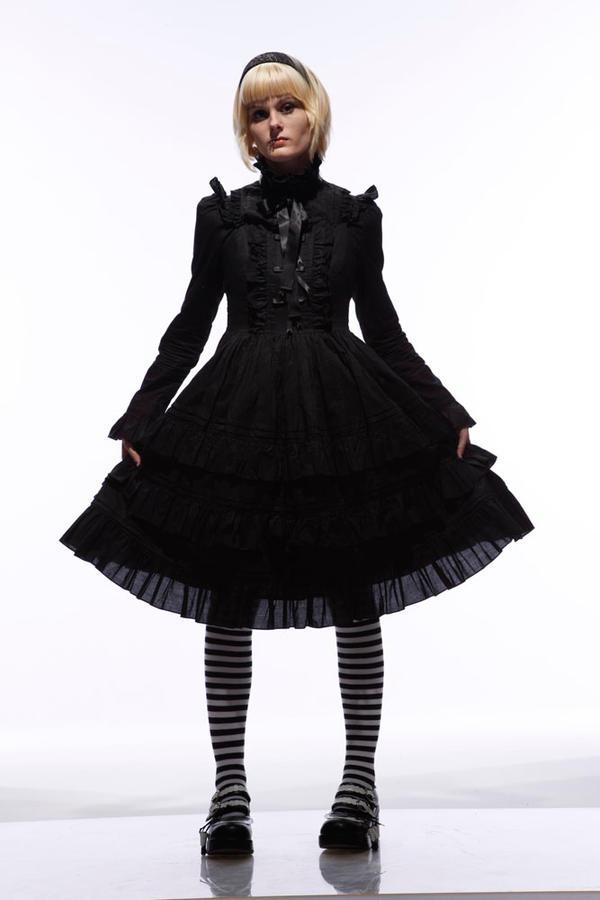 Lolita: Full body by Foxxy-Tomo