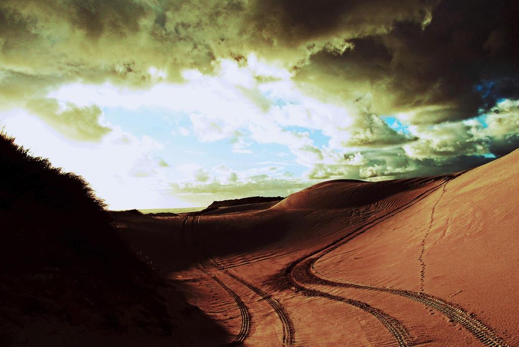 Dark skies by Hell-o-Z